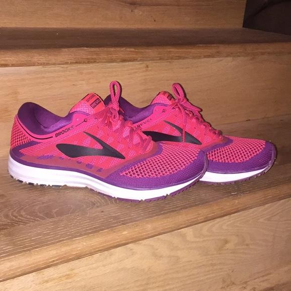 4541bab3a7b02 Brooks Shoes - Brooks revel 👌